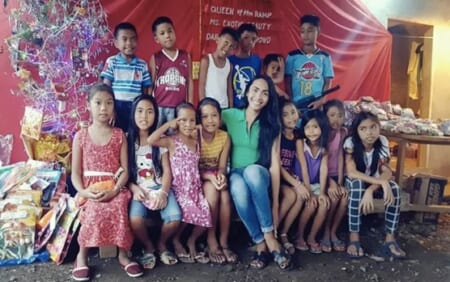 フィリピンの孤児院へクリスマスチャリティーギフト